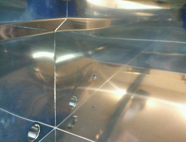 Welds inside of the Flat Pan