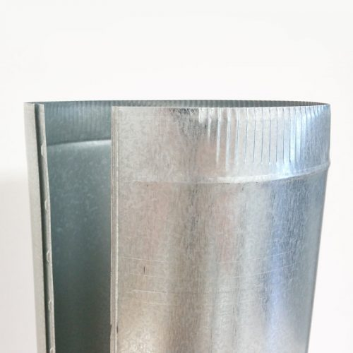 Galvanized pipe has an easy snap seam